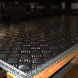 Tablă aluminiu striată